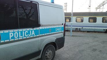 Tragedia na torach we Wrocławiu. Mężczyzna wpadł pod pociąg. Duże opóźnienia