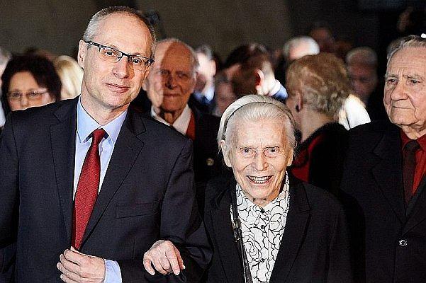 """Ze strony Muzeum II WŚ znikło zdjęcie 96-letniej bohaterki wojennej. """"Jak tak można?"""""""