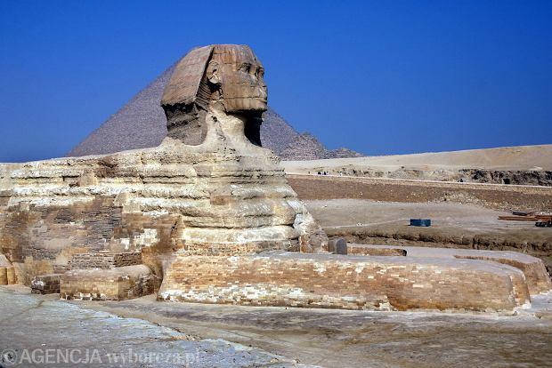 11.11.2008 EGIPT .  GIZA  PIRAMIDY N/Z WIELKI SFINKS W TLE PIRAMIDA CHEOPSA FOT. ARKADIUSZ WOJTASIEWICZ  / AGENCJA GAZETA