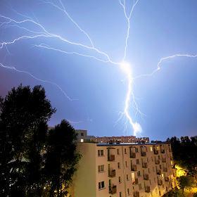 IMGW ostrzega przed burzami z gradem. Nawałnice przejdą nad Polską