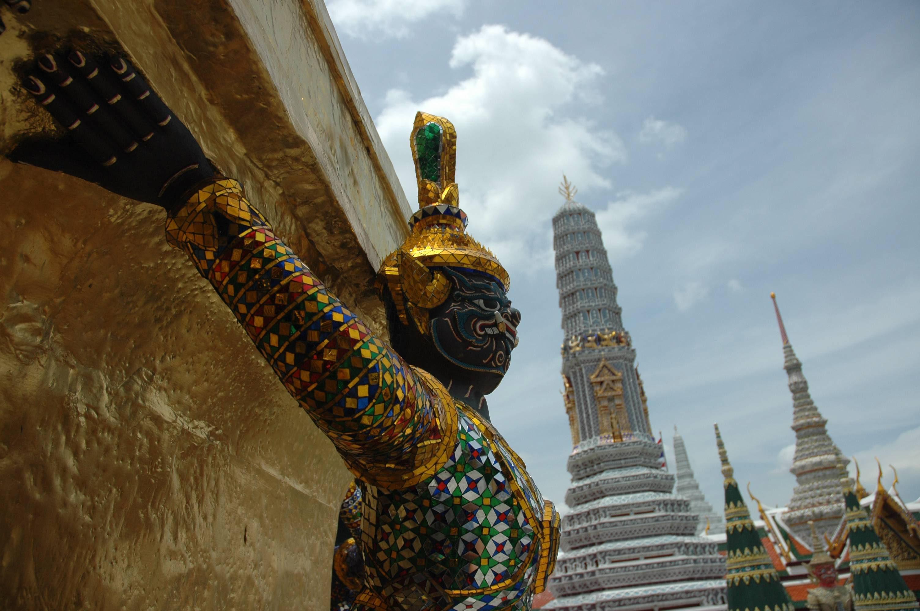 Bangkok, Wielki Pałac Królewski. Figura demonów Ramakien (fot. Anna Lewańska / Agencja Gazeta)