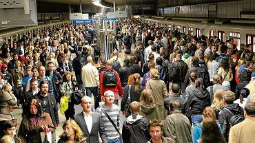 Niemal co drugi dzień ewakuowali metro. Będą kary? Stołeczny ratusz odpowiada