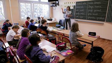 """Ta szkoła zrezygnowała z tradycyjnych prac domowych. """"Dzieci stały się spokojniejsze"""""""