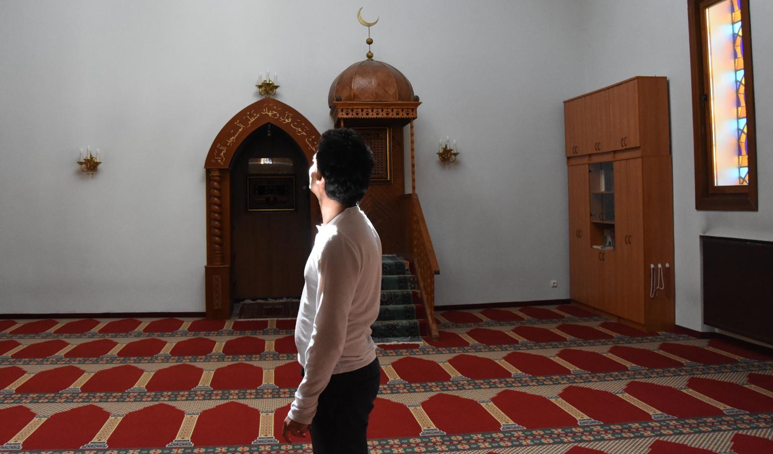 Ahmed stał się ateistą w wieku 16 lat