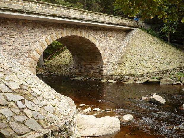 Tak wygląda most, przy którym najlepiej rozpocząć wycieczkę