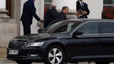 """Witanie Kaczyńskiego przed Belwederem? """"Dla prestiżu głowy państwa niewskazane"""""""