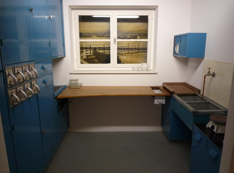 Lihotzky uczyniła kuchnię ergonomiczną i wygodną przestrzenią do pracy (fot. commons.wikimedia.org)