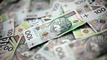 Co znaczy być bogatym w Polsce? 10 tys. zł na rękę i wakacje w Sopocie