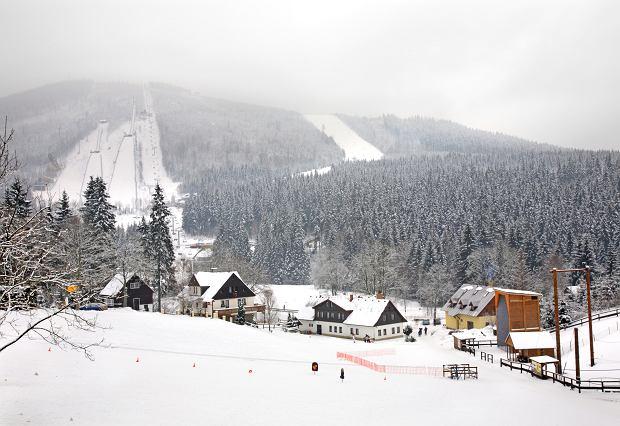 Harravchov oddalony od miejscowości Rokytnice nad Jizerou o około 5 km