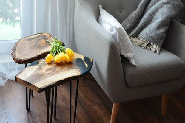 Modny stolik kawowy z drewna