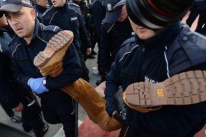 Policja chroniła ONR przed protestującymi. Użyto siły nawet wobec starszych osób