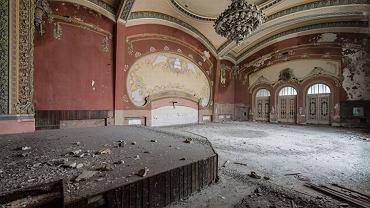 Sto lat temu w luksusowym kasynie bawiła się śmietanka arystokracji. Dziś budynek popada w ruinę