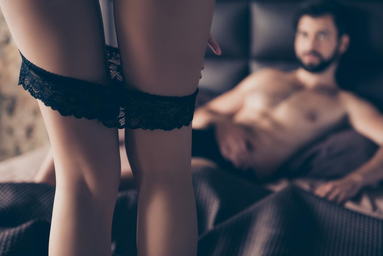 Kobiety zaczynają mówić o swoich potrzebach i pragnieniach, a więc i o seksie, coraz otwarciej (fot. shutterstock.com)