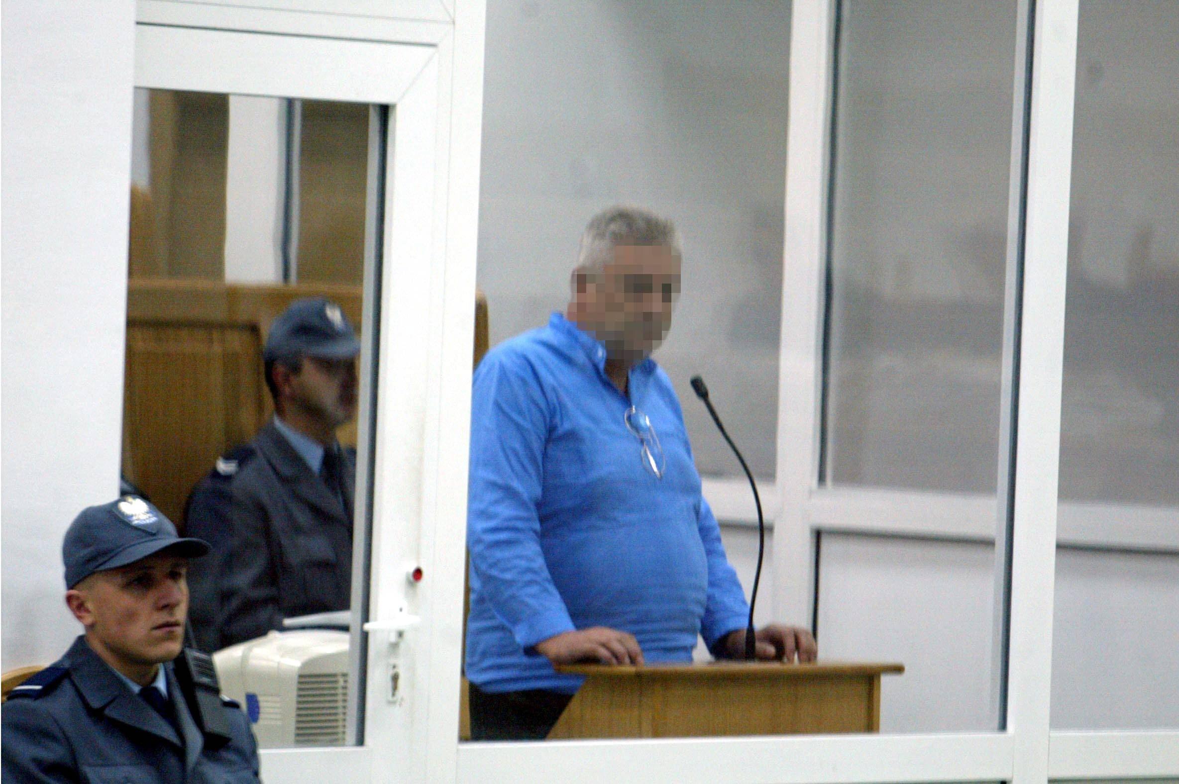 Wrzesień 2002 r. Sąd Okręgowy w Warszawie. Proces mafii pruszkowskiej (fot. Wojciech Olkuśnik / Agencja Gazeta)