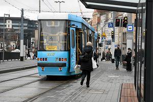 Rasistowski atak we wrocławskim tramwaju. Zaczął bić za zarost i karnację