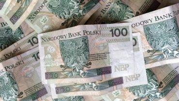 Tak się traci 10 tysięcy złotych. Uważaj na to, co instalujesz na smartfonie