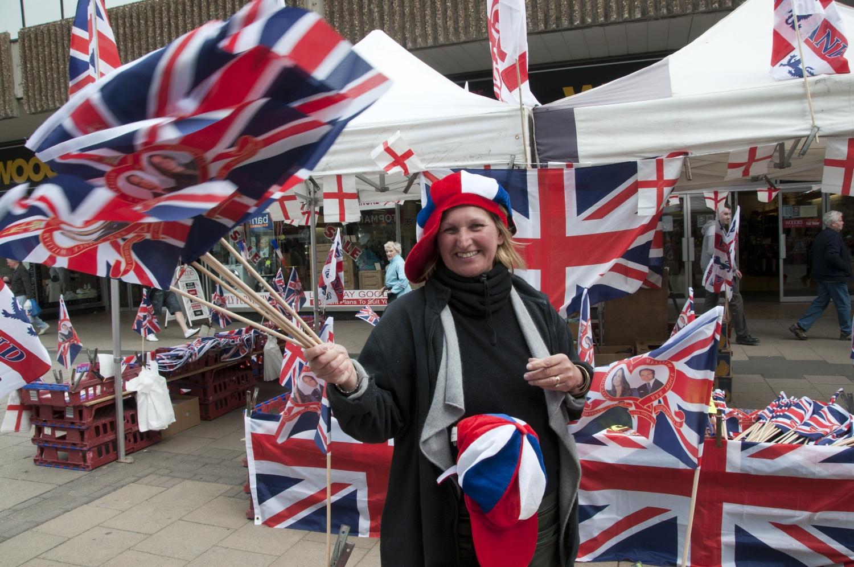 Brytyjczycy uwielbiają świętować królewskie śluby. Na zdjęciu przygotowania przed ślubem księcia Williama i księżnej Kate w 2011r. (fot. Bryan Ledgard/flickr.com)