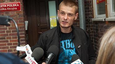 Komenda po wyjściu z prokuratury: Nie byłem bity. Byłem katowany