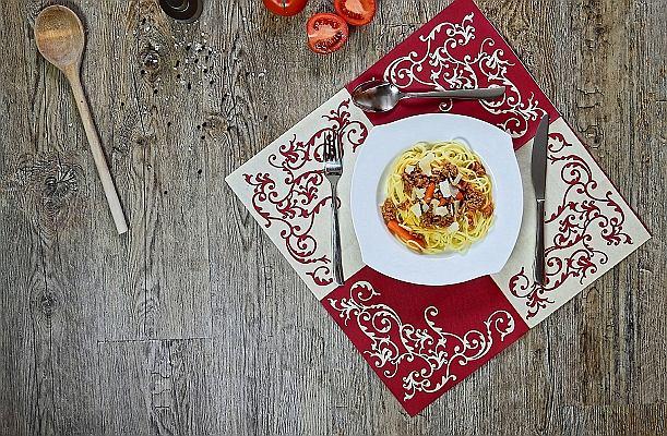 Italia do zjedzenia. Poznaj receptury, które rozsławiły włoską kuchnię na świecie