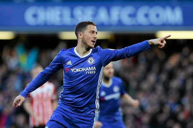 Chelsea's Eden Hazard celebrates scoring the opening goal during the English Premier League soccer match between Chelsea and Southampton at Stamford Bridge stadium in London, Tuesday, April 25, 2017. (AP Photo/Alastair Grant)
