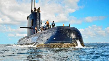 Na zaginionej łodzi podwodnej kończy się tlen. Starczy go już tylko na jeden dzień