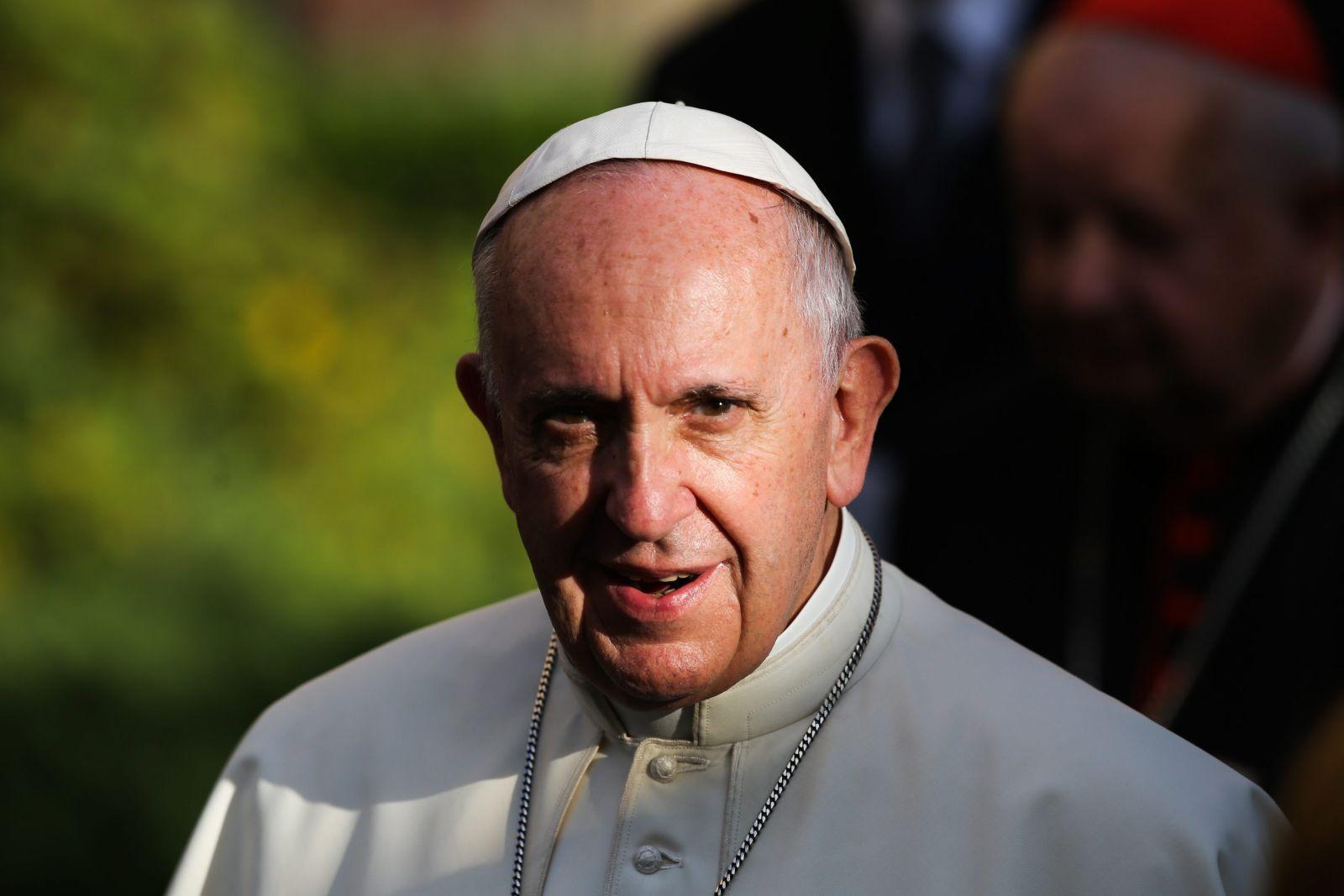 {30.07.2016 Krakow , ul. Franciszkanska . Papiez Franciszek w drodze do Brzegow .Fot. Jakub Porzycki / Agencja Gazeta