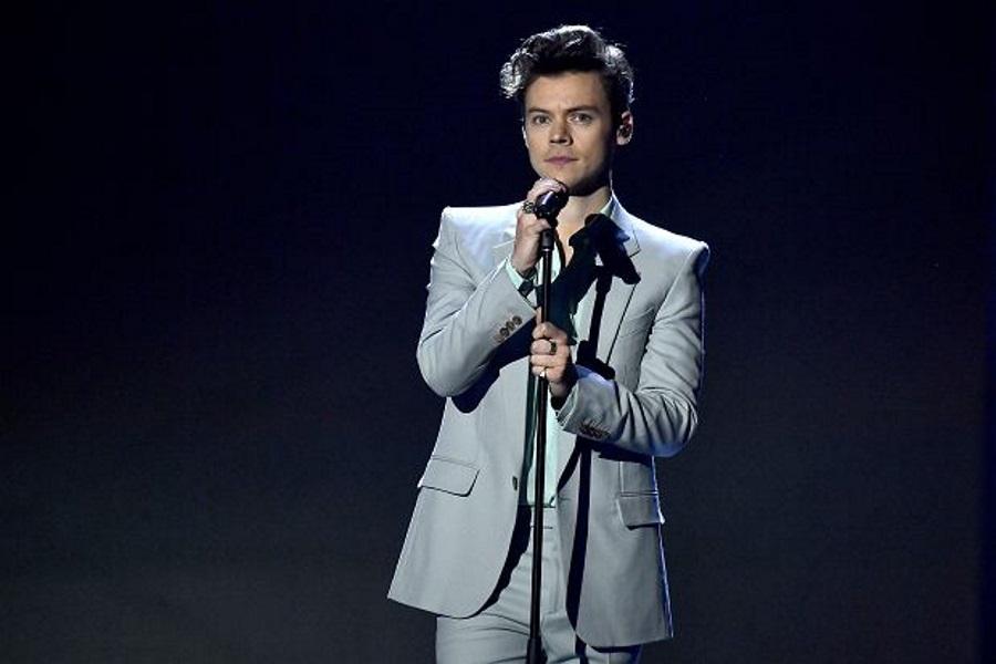 """Harry Styles biseksualistą?! Nowy utwór """"Medicine"""" daje do myślenia..."""