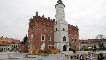 Sandomierz był miastem wojewódzkim? Sprawdź, co pamiętasz z PRL-u [QUIZ]