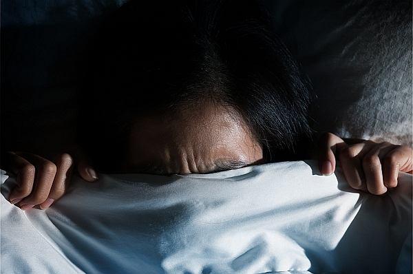 Psychiatra: Moja pacjentka, 20-letnia studentka, miała tak silne koszmary, że musiała spać z rodzicami albo z bratem