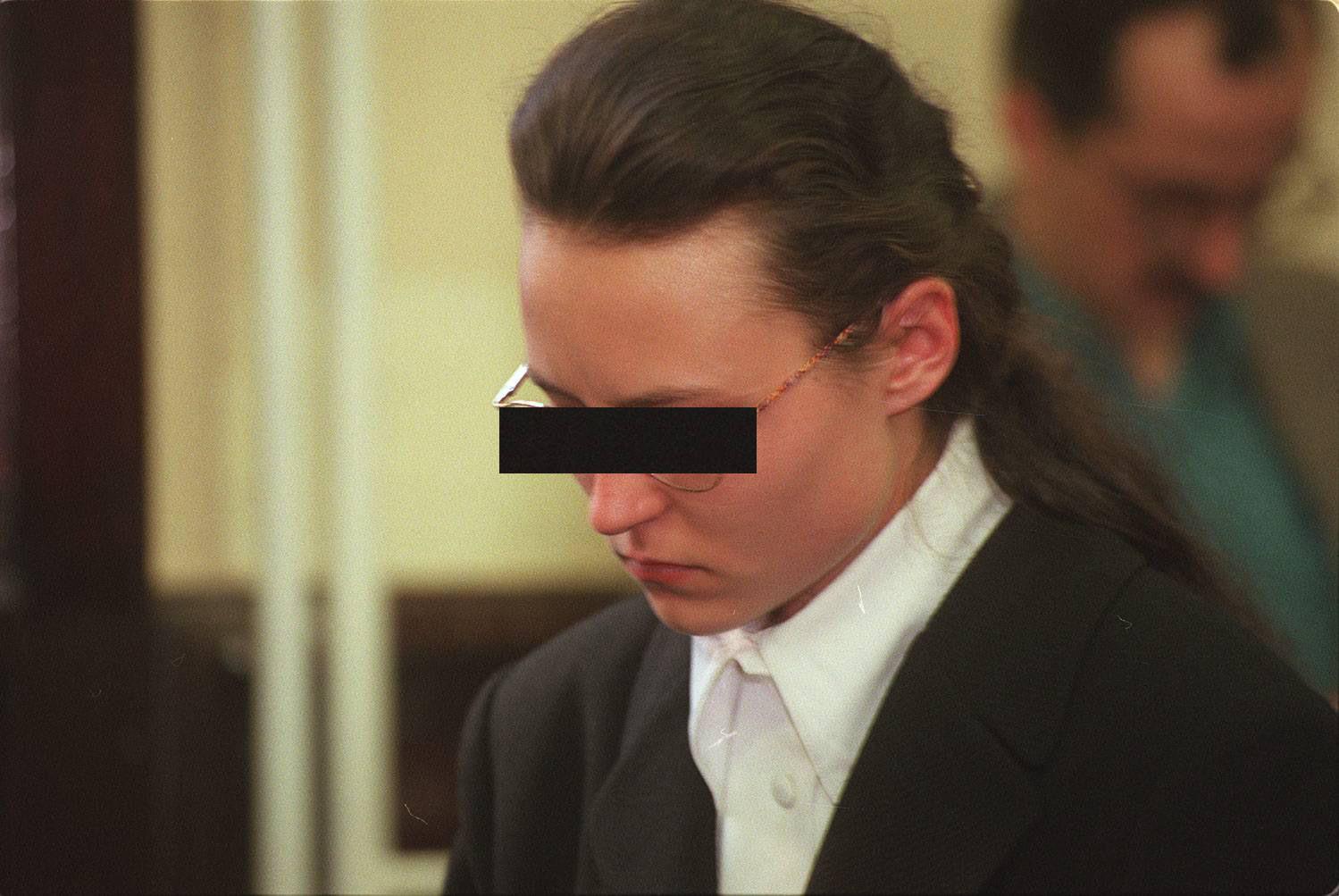 Marzec 1998 r. Proces o zabójstwo Joli Brzozowskiej. Na zdjęciu Monika O. 'Osa' (fot. Jacek Marczewski / Agencja Gazeta)