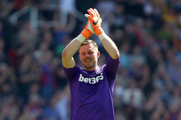 Stoke City goalkeeper Jack Butland reacts after Stoke City are relegated following the English Premier League soccer match between Stoke City and Crystal Palace, at the bet365 Stadium, in Stoke, England, Saturday May 5, 2018. (Dave Thompson/PA via AP) SLOWA KLUCZOWE: soccer;football