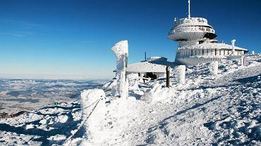 Jakie góry najrozsądniej wybrać jako cel pierwszego wyjazdu zimą? W co się ubrać i co zabrać? Podpowiadamy