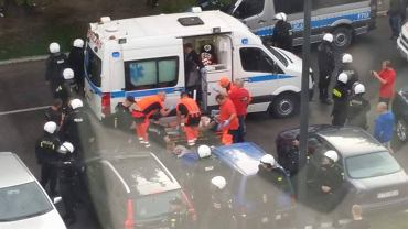 Kibic Widzewa raniony nożem pod stadionem. Tuż przed meczem z Wartą Sieradz