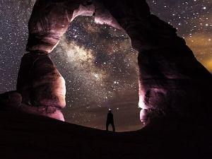 Czekając na kosmiczny list w butelce. Dlaczego nie znaleźliśmy jeszcze śladów życia we wszechświecie?