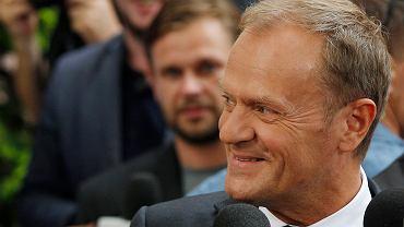 """""""Rezygnuję ze 110 tys. pensji i staję do walki"""" - ogłosi Tusk. To wyprowadzi Kaczyńskiego z równowagi [OPINIA]"""