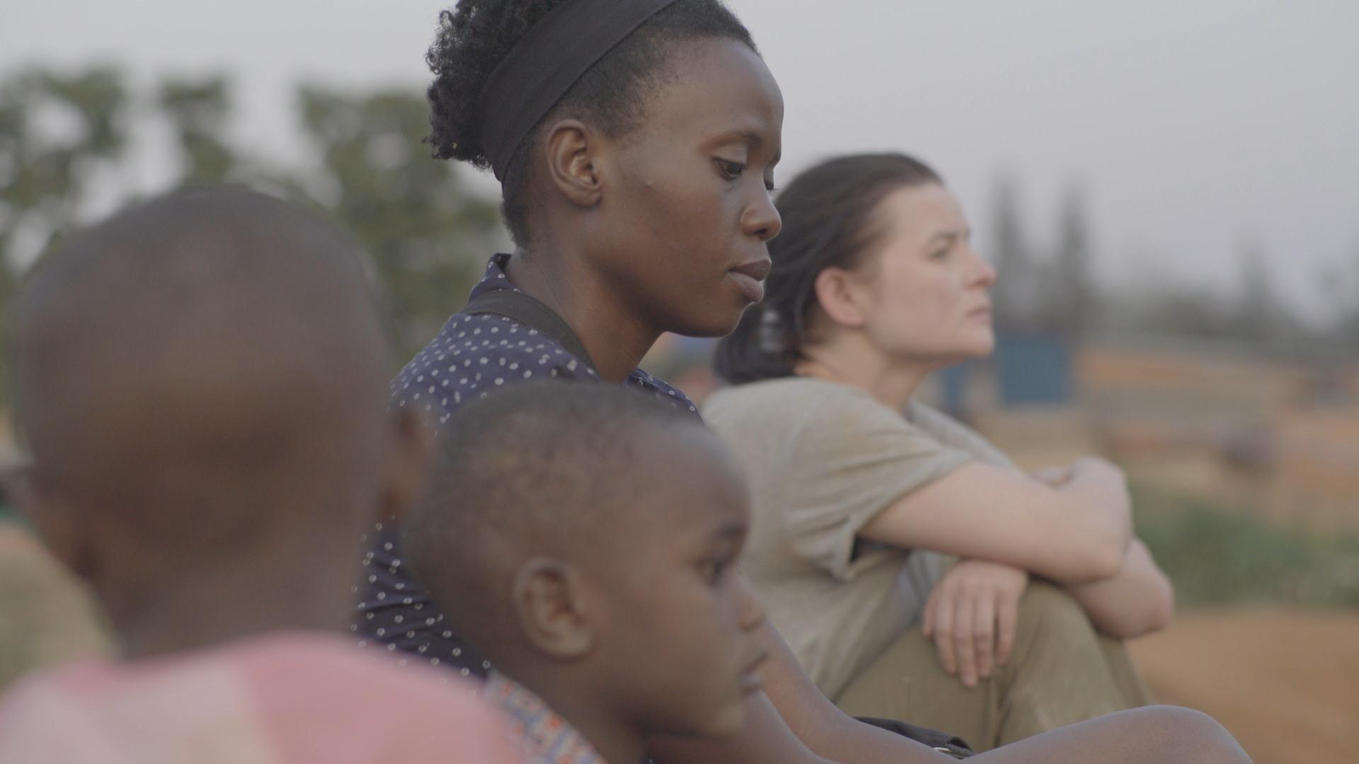 Kadr z filmu 'Ptaki śpiewają w Kigali' (fot. materiały prasowe)