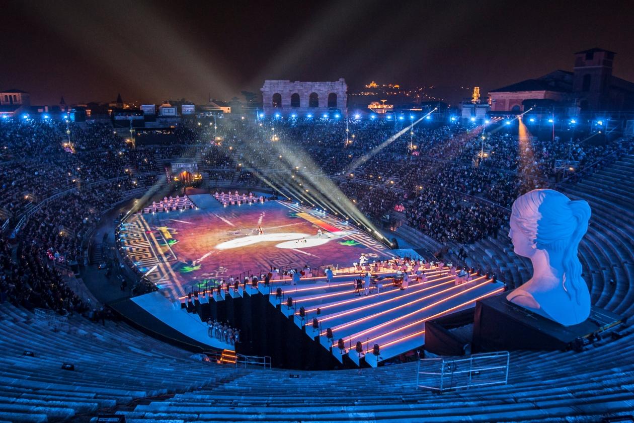 Arena di Verona na chwilę przed rozpoczęciem show A Legend of Beauty