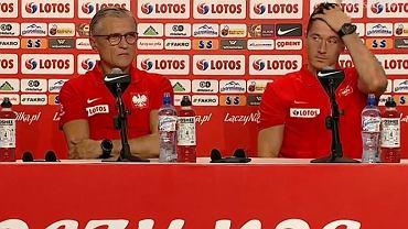 Zapytali Lewandowskiego czy kończy karierę w kadrze. Złapał się za głowę i wymijająco odpowiedział