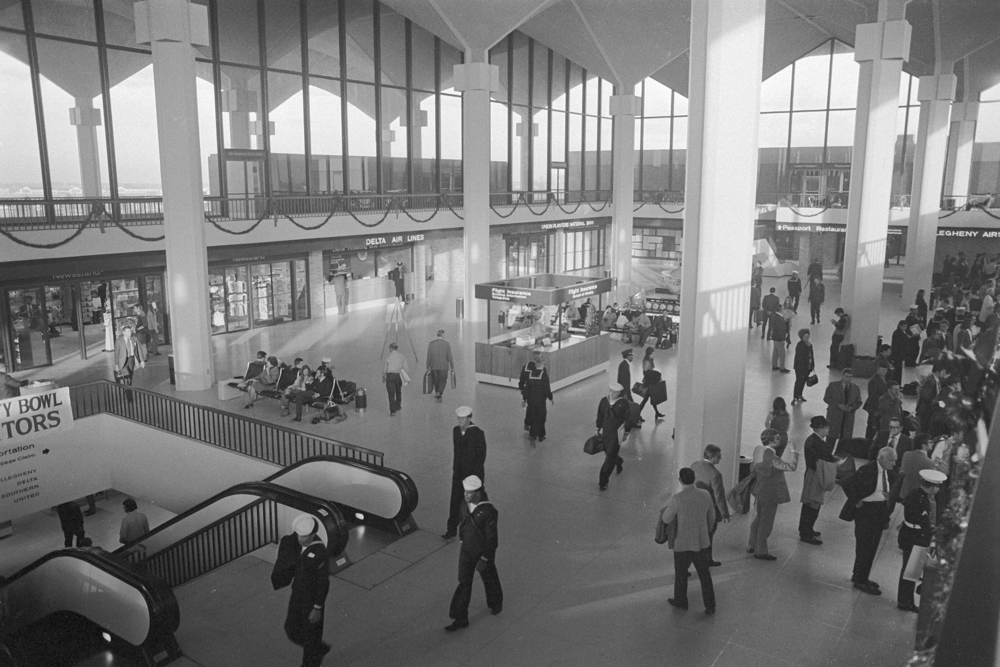 Lotnisko w Memphis w USA, 1973 r. (fot. Euthman Ed Uthman / Wikimedia.org / CC-BY-3.0)