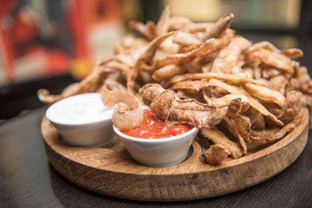 Chipsy z obierek ziemniaków