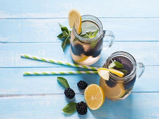 Po te napoje warto sięgać latem!