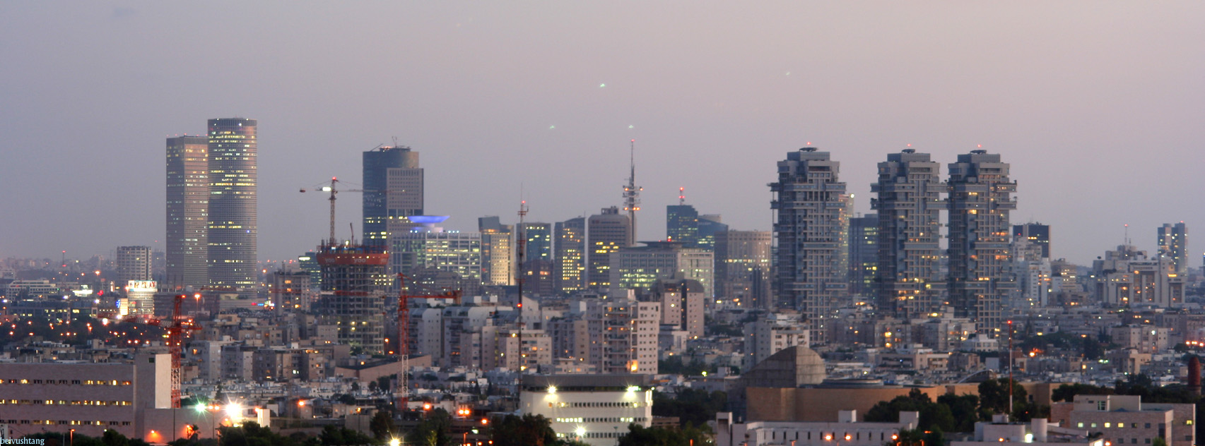 Panorama Tel Avivu (fot. Beivushtang / wikimedia.org / CC BY-SA 3.0)