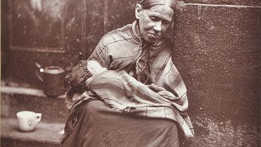 """""""Pierwsze zdjęcie w historii, na którym widać skrajne ubóstwo"""". Oto Londyn 140 lat temu"""