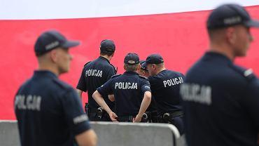Policjanci żołnierzami fiskusa. Ukarzą za brak paragonu i lewy alkohol