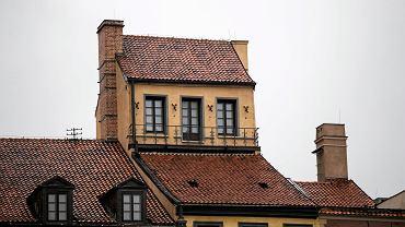 """Po co są """"małe domki"""" na warszawskich dachach? Zagadka rozwiązana"""