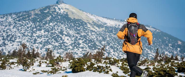 Śnieg, mróz, słońce i góry do pokonania. Dla takich widoków warto się wybrać w Karkonosze! [ZDJĘCIA]