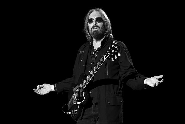 Tom Petty and the Heartbreakers perform on the 40th Anniversary Tour at Wrigley Field on Thursday, June 29, 2017, in Chicago. (Photo by Rob Grabowski/Invision/AP)