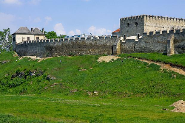 Mury obronne w Szydłowie