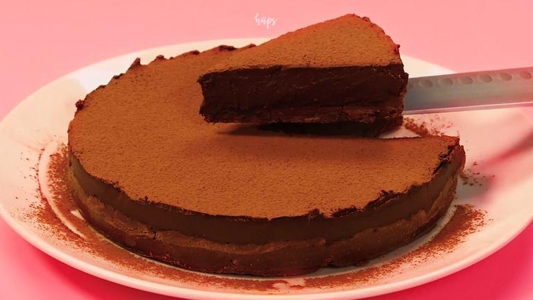 Potrójnie czekoladowa tarta - idealna na poprawę humoru