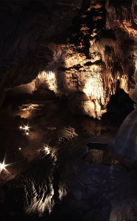 Jaskinia Raj Fot. Kinio2000 wikimedia commons CC BY 3.0